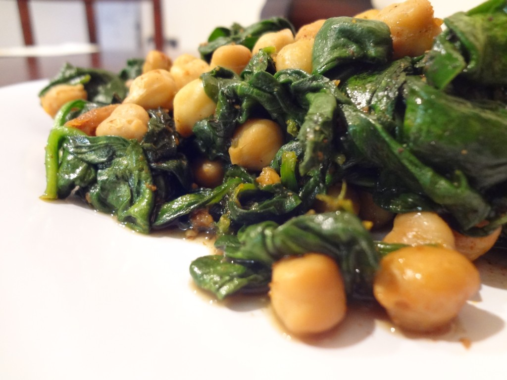 Spinach with Chickpeas Up Close