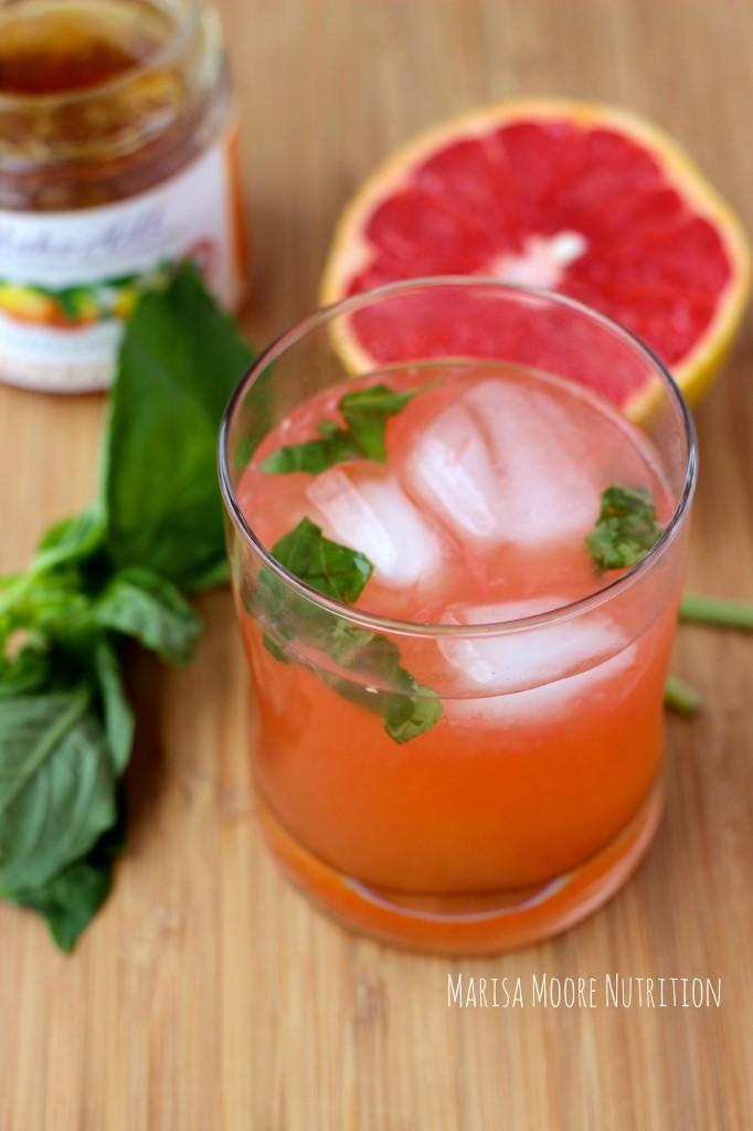 Grapefruit Gin Basil Cocktail marisamoore.com