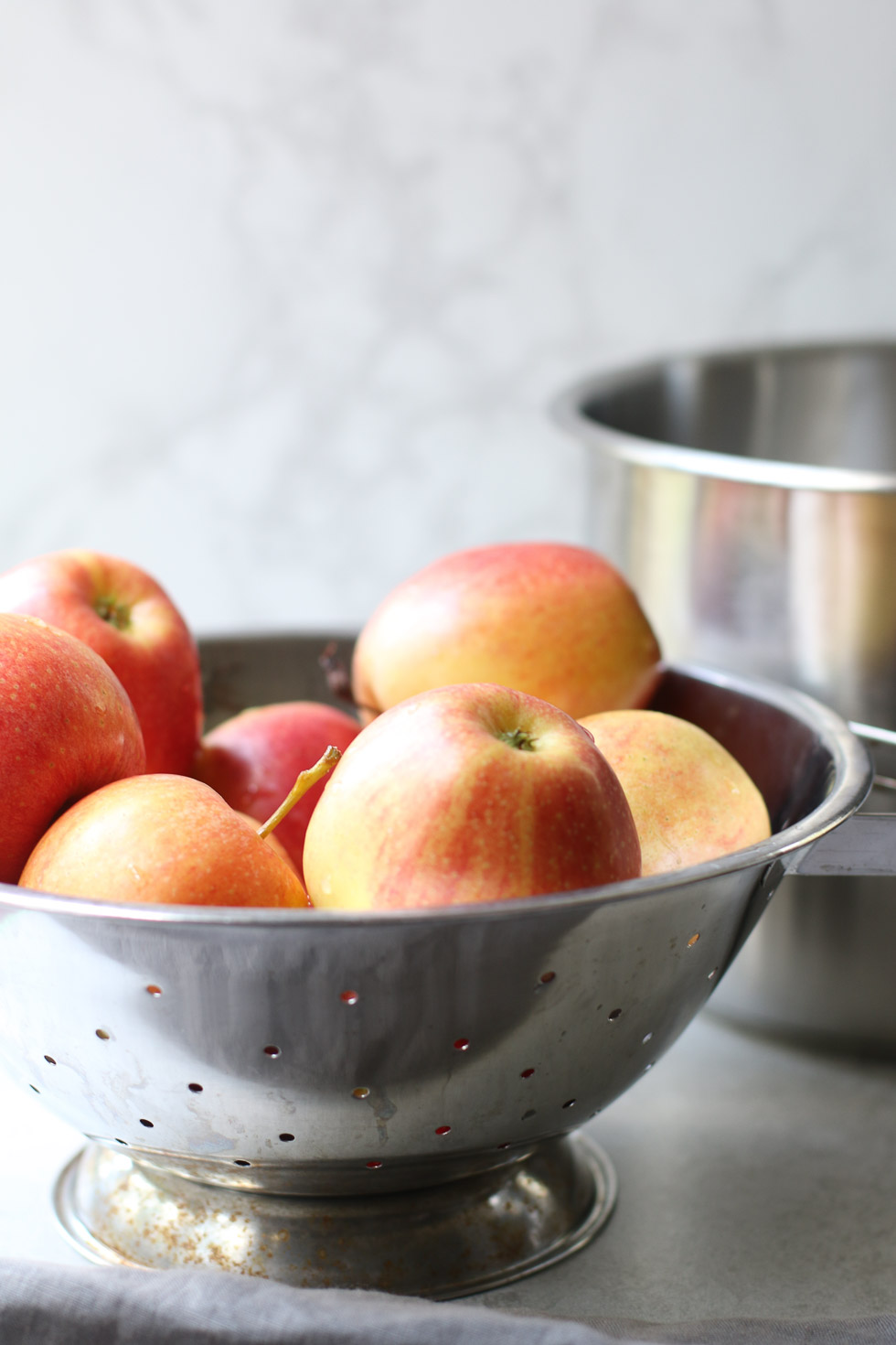 How to Make Pressure Cooker Apple Sauce