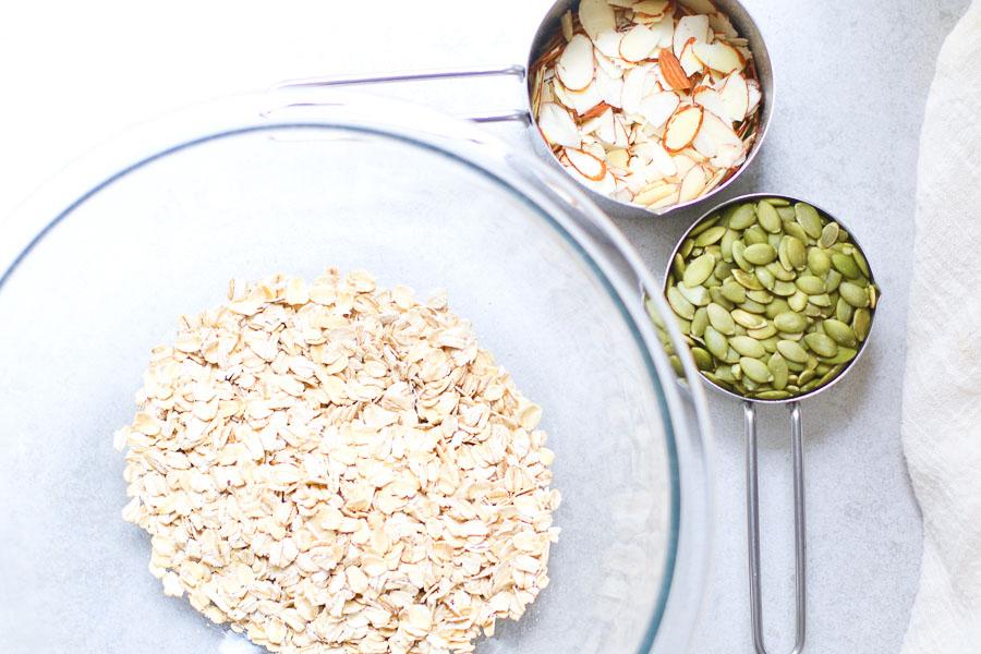 Oats sliced almonds pepitas