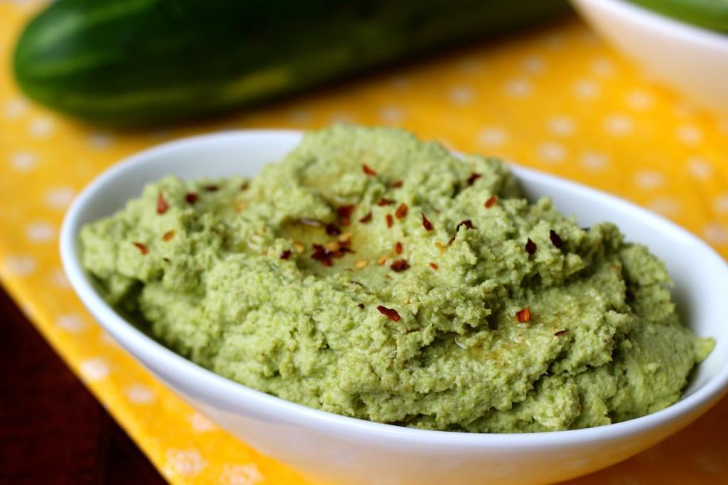 Sesame Edamame Hummus w Vegetables