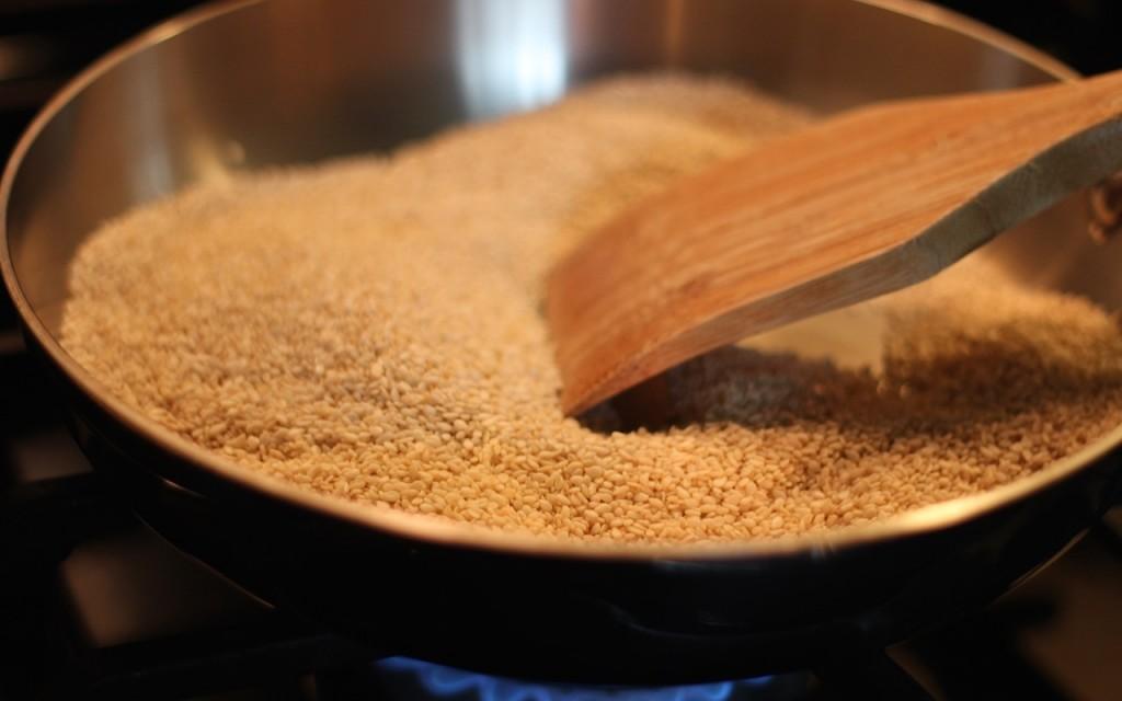 White Sesame Seeds Toasting