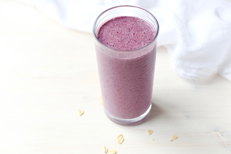 Blueberry Oatmeal Breakfast Smoothie