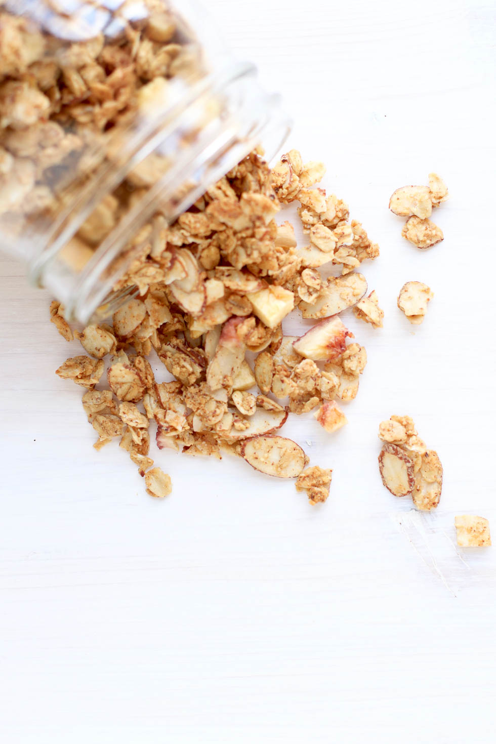 Homemade Peach Almond Granola Recipe