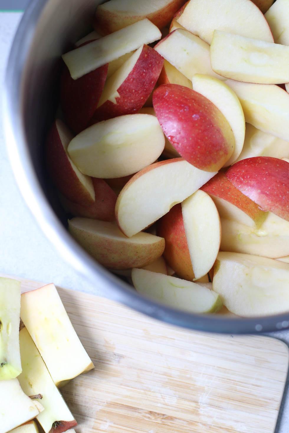 Easy Instant Pot Apple Butter