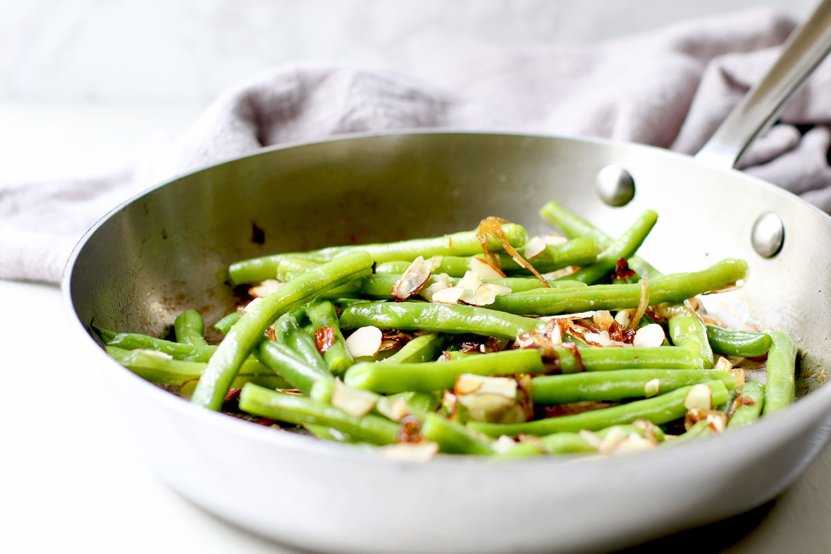 Green Beans with Caramelized Onion Almond