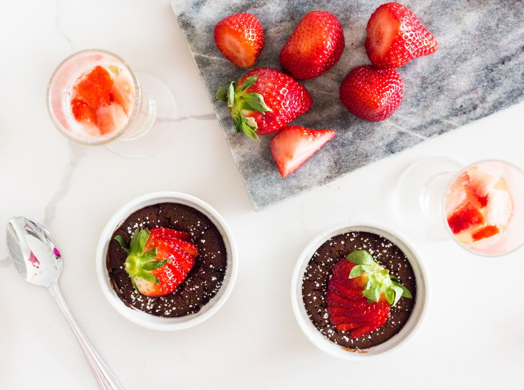 mini-flourless-chocolate-cake-for-two