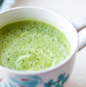 matcha latte in a mug