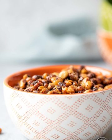 Roasted Black-Eyed Peas in a small bowl